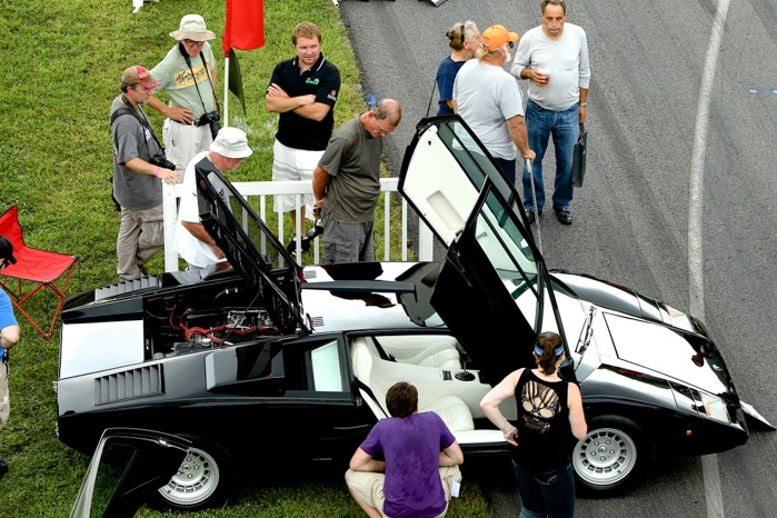Michael Schwartz's Lamborghini Countach stands inspection and finds a class award in Speed & Style Redux.