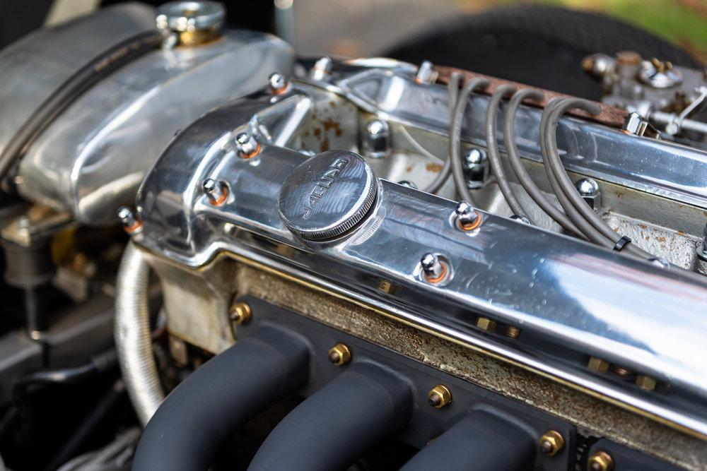 JaguarXKSS_-37.jpg