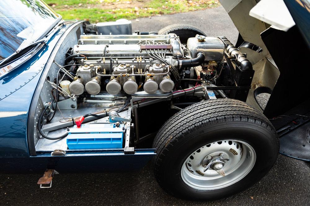 JaguarXKSS_-38.jpg