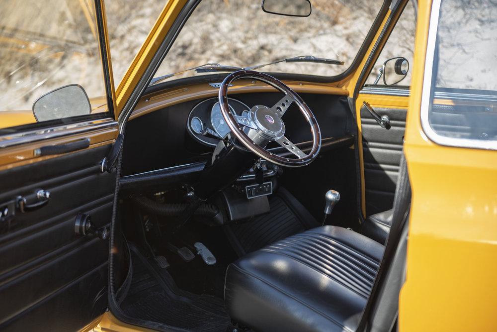 1971 Morris Mini 1000 (14).jpg