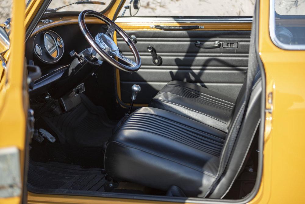 1971 Morris Mini 1000 (16).jpg