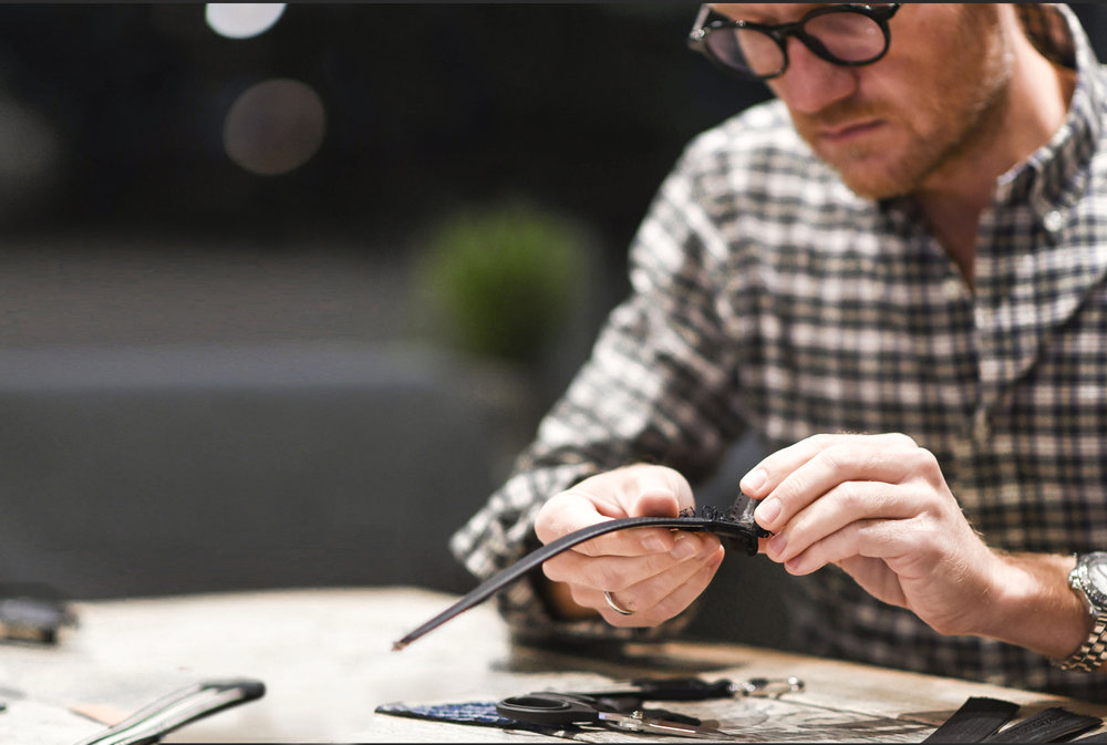 Craftmanship - We have carefully chosen to work with a small family owned factory in Portugal, combining years of experience with a true love for the craftsmanship.