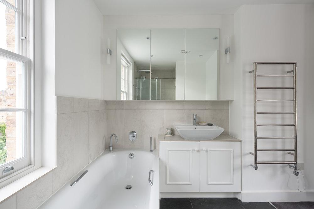 Clapham House Bathroom - MW Architects