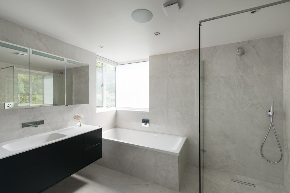 Peacock House Bathroom - MW Architects