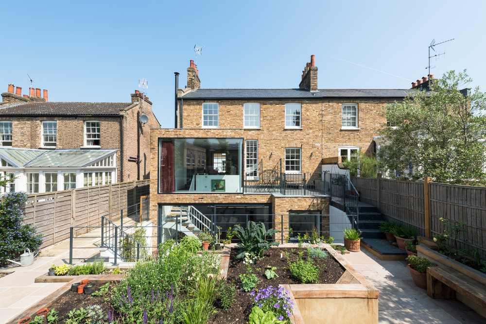 Clapham house was a whole house refurbishment with lower-ground and ground floor extensions, made successful through the detialin of costs to the client.