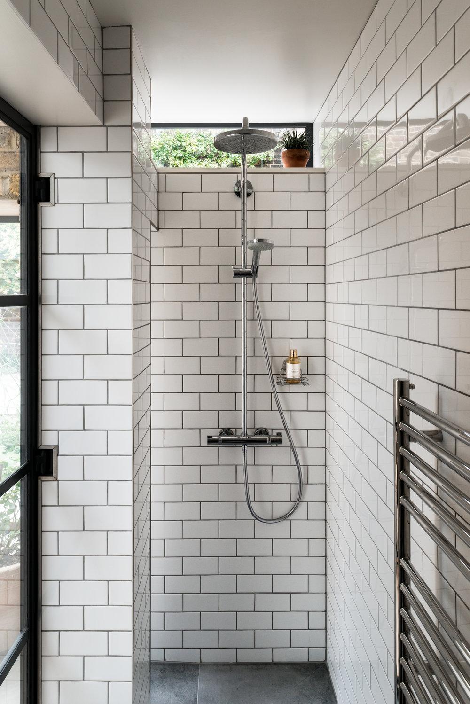 Greenwich Garden Studio Shower - MW Architects