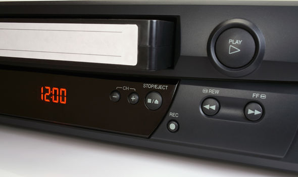 VCR-player-599743.jpg