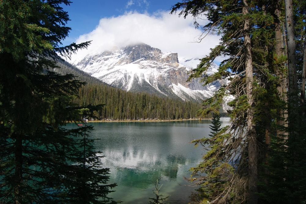 emerald-lake-yoga-travel-retreat