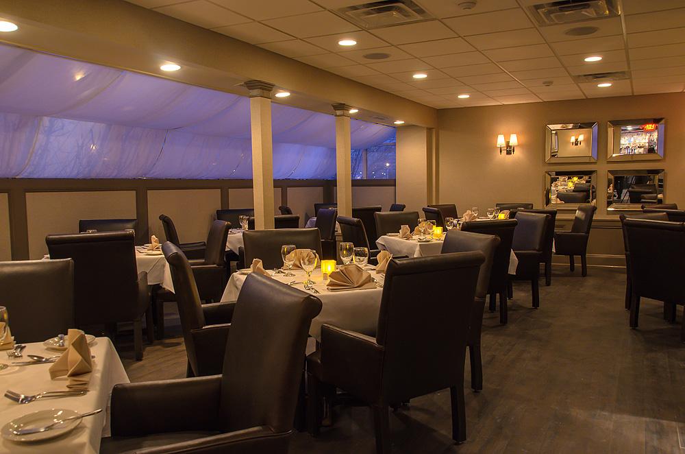 barelis-restaurant-web-11.jpg