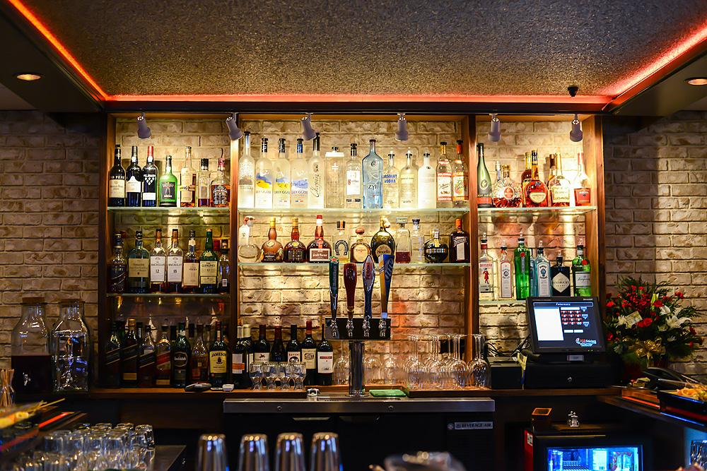 barelis-restaurant-web-1.jpg