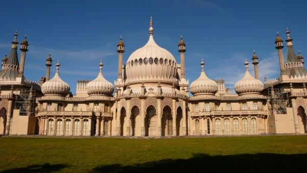 Brighton_Pavilion-e1427236038376.jpg