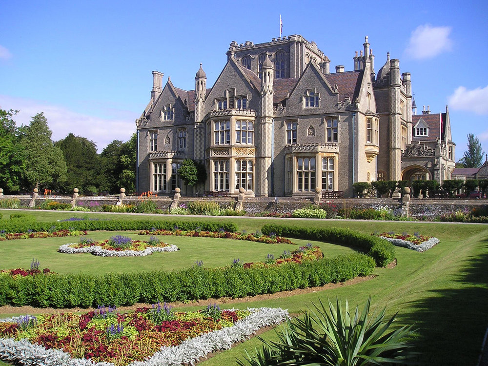 Including overnight accommodations at the - DE VERE TORTWORTH COURT