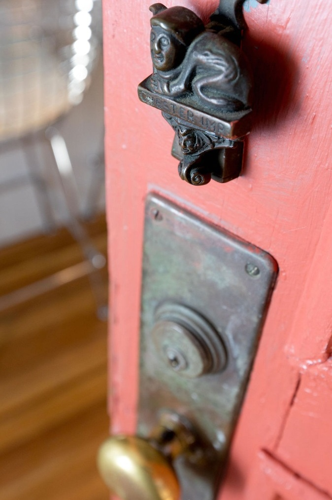 PIed-a-terre Door