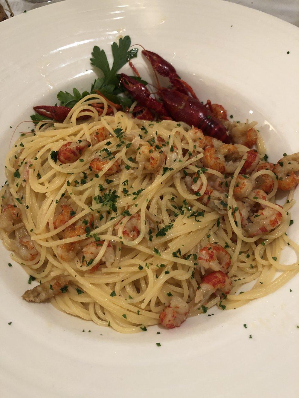 shrimp pasta in Clusane.JPG