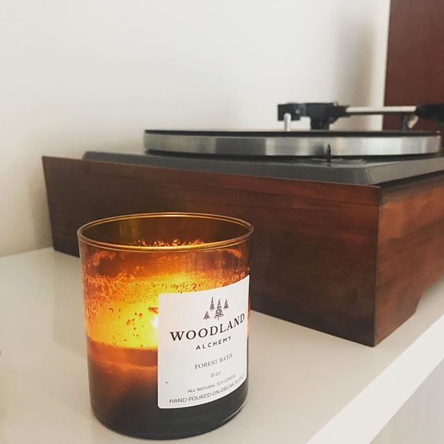We been snowed in for more than a week and thank goodness for an *almost* limitless supply of Woodland Alchemy candles. . We're kind of sad that the snow is starting to melt. It's a gift to have had all of this time together around the fire 🔥 . . . . #orcasisland #seattlemakers #pnwonderland #makersgonnamake #artisan #creativelifehappylife #woodland #forestbathing