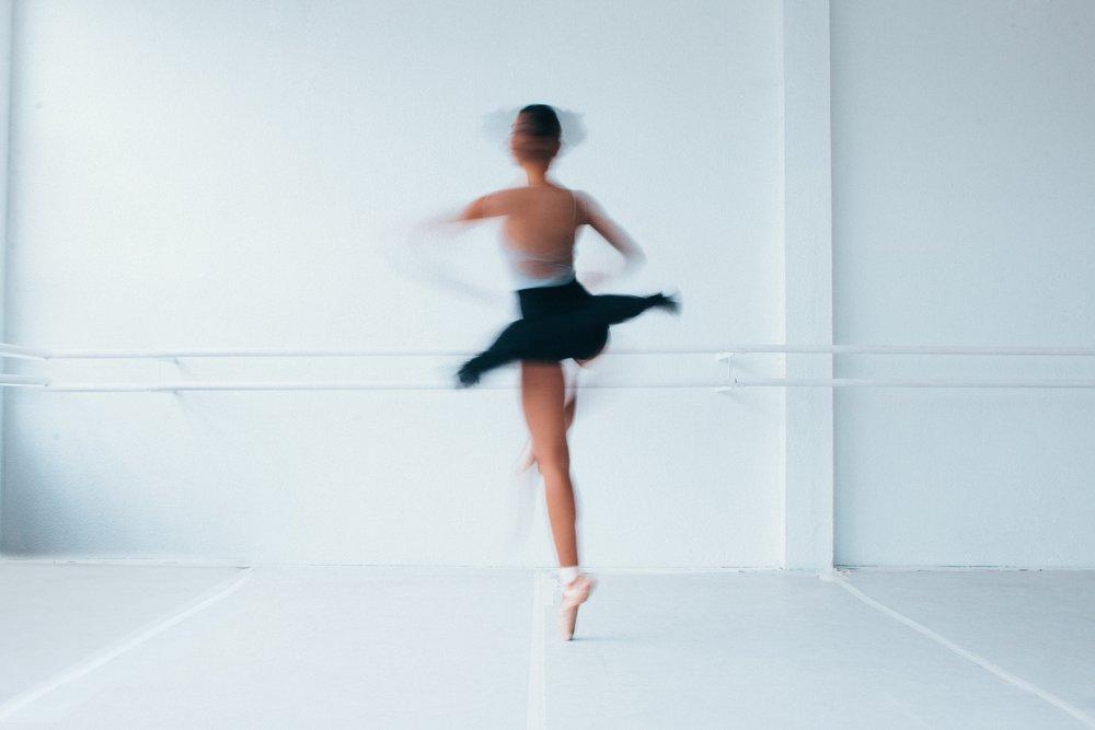 balance-ballerina-ballet-1820148.jpg