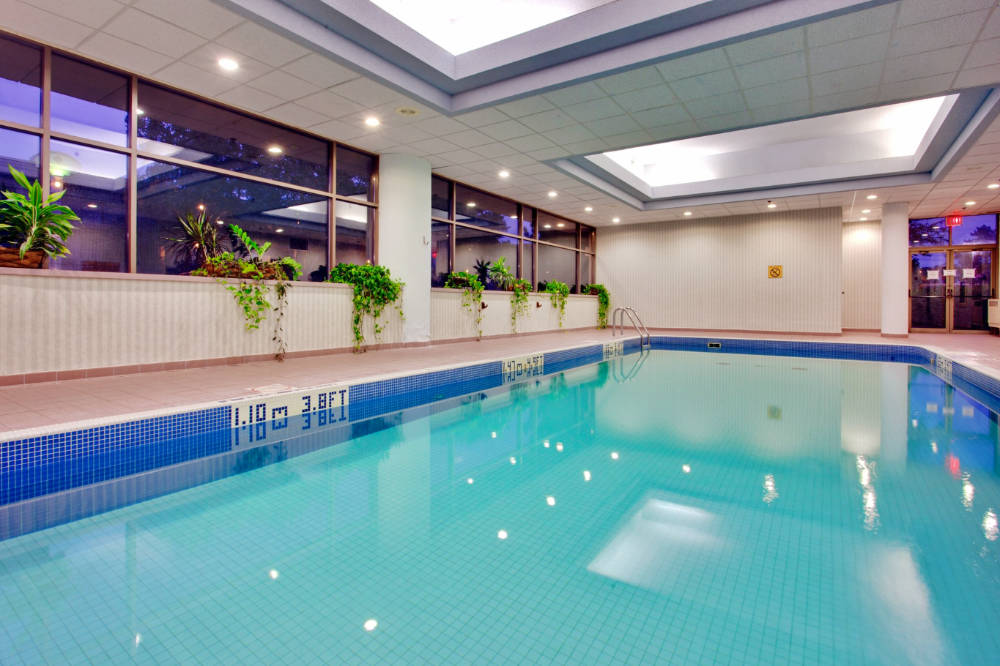 About the Holiday Inn Barrie Hotel and Conference Centre - Learn how to swim year round in Barrie with two incredible pools to choose from. Our indoor pool is perfect for beginner swimmers who are looking to get introduced to the water in a quiet setting. Towel service and free wifi are included and we also have a large hot tub and sauna to warm up in at the end of your lesson.