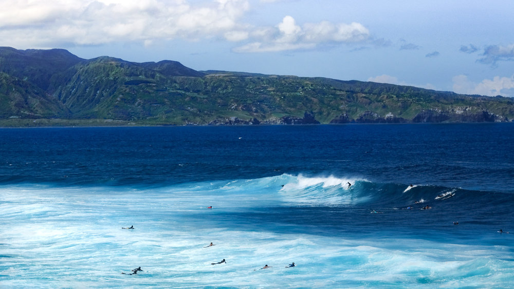 Surfers at Ho'okipa Beach