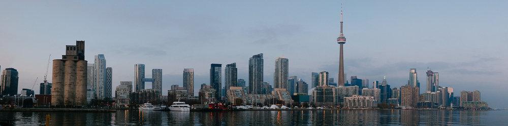 A sunset panoramic of the Toronto skyline