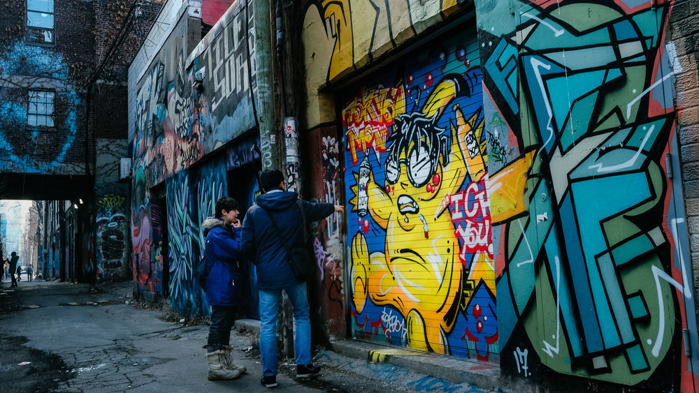 Free walking tour of Graffiti Alley