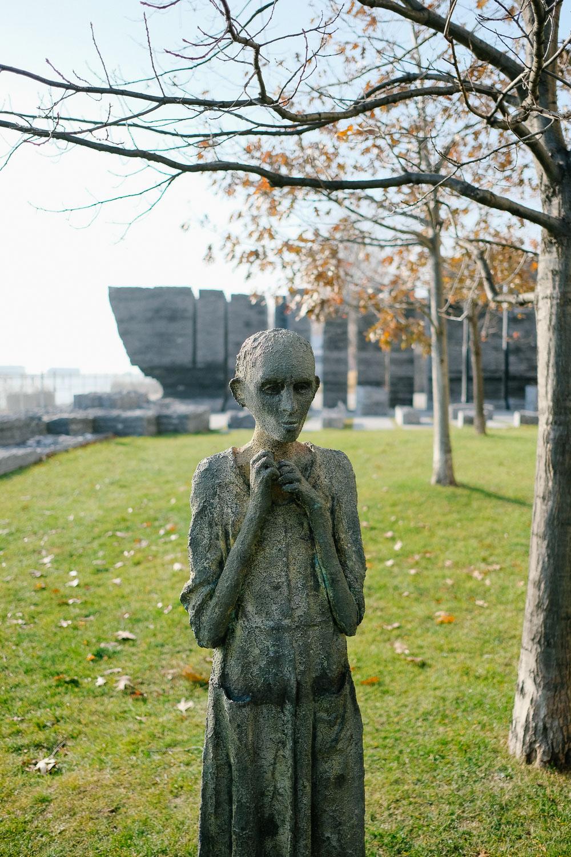 A statue at Ireland Park