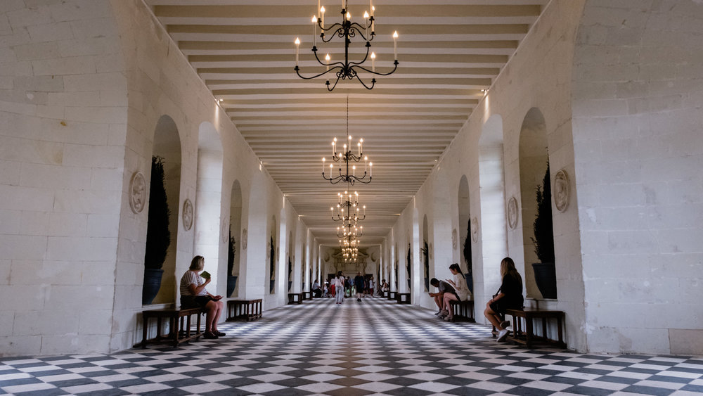 The interior halls of Chenonceau