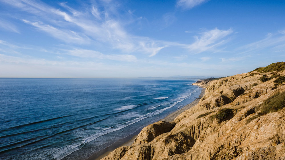 "Cliffs by Torrey Pines Gliderport - San Diego travel guide by ""And Then I Met Yoko"". Photography by Natasha Lequepeys #travelphotography #travelblog #sandiego"