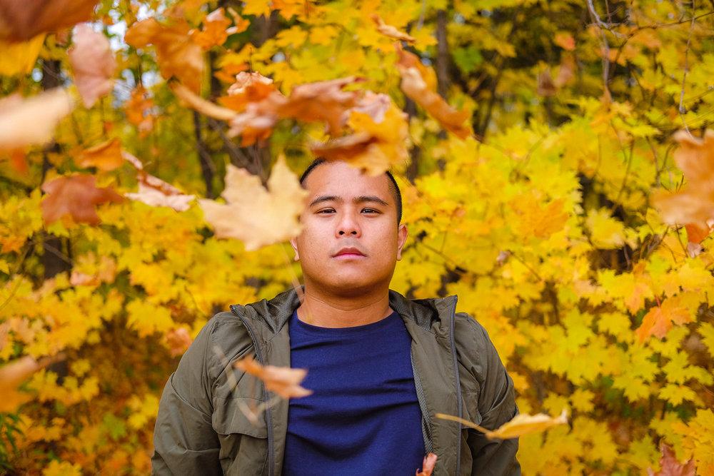 Fall leaves photography idea