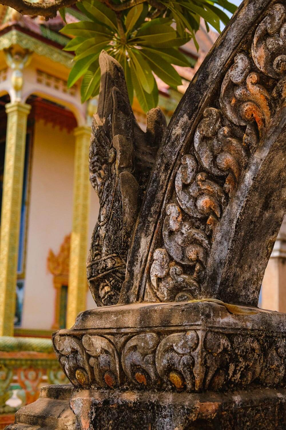 Detailed archway in front of the temple.     #siemreap #angkorwat #travelguide #travelblog #siemreapitinerary #cambodia #travelphotography #landscapephotography #fujifilm #siemreapprivatetour