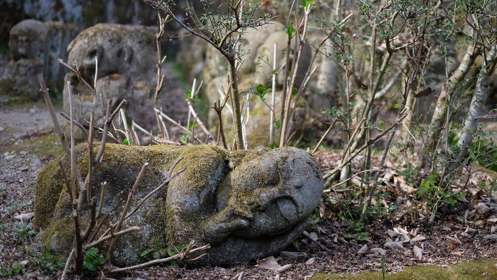 A sleeping buddha at Otagi Nenbutsu-Ji
