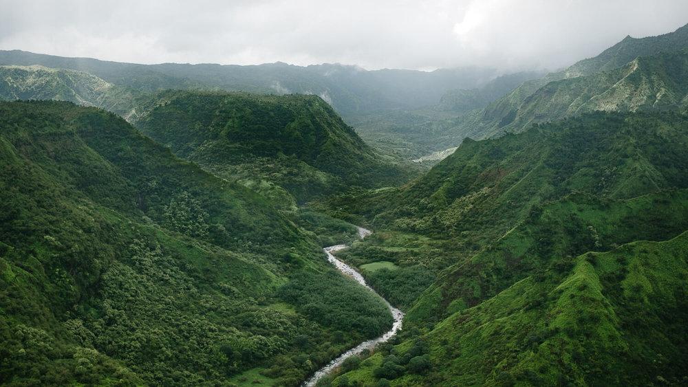 """Kauai, Hawaii Travel Guide. Travel photography and guide by © Natasha Lequepeys for """"And Then I Met Yoko"""". #kauaiitinerary #kauai #lkauaitravelguide #travelblog #kauaiphotography"""
