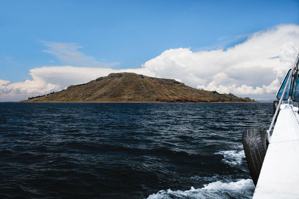 "Approaching the islands. Travel photography and guide by © Natasha Lequepeys for ""And Then I Met Yoko"". #peru #laketiticaca #amantani #taquile #homestay #culturalexperience #photoblog #travelblog #travelphotography #fujifilm #travel #travelperu #southamerica #allwaystravel #laketiticacaitinerary #puno #uros #floatingislands #pachamama #pachatata"
