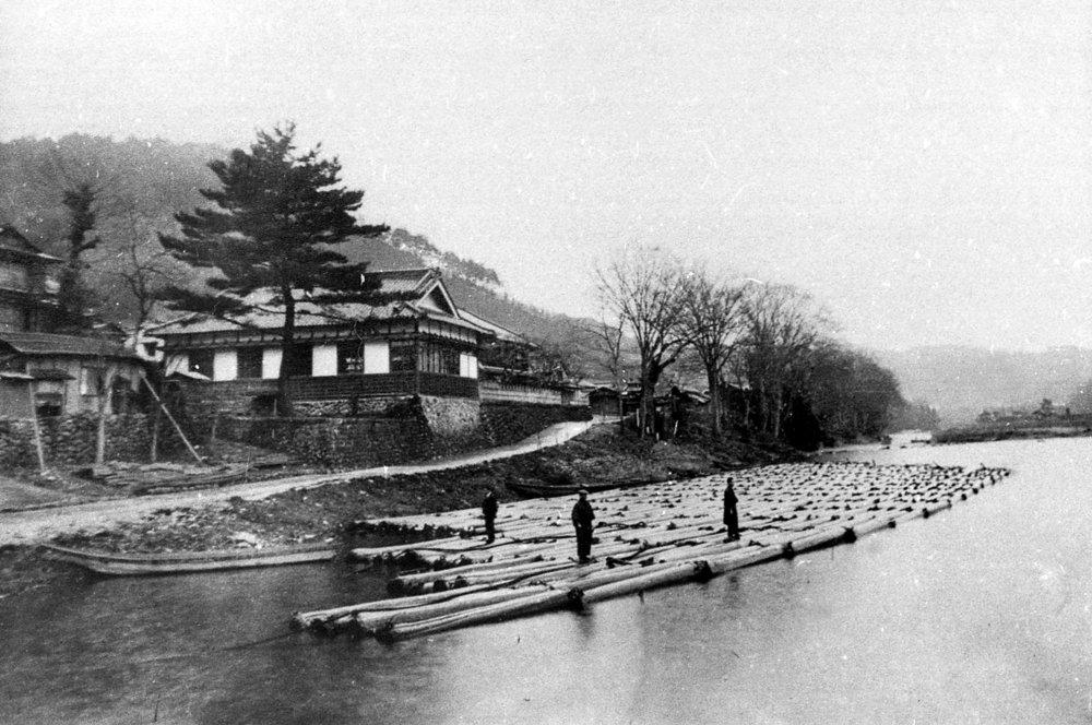 出典:   ふるさと吉野 懐古写真集  (  吉野町文化協  会、1986年発行)