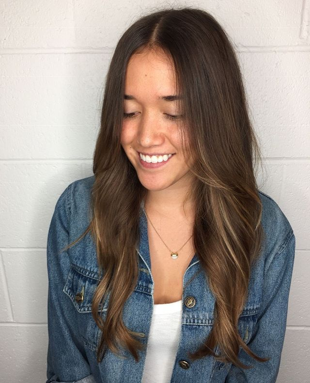 There's long hair, and then there's beautiful long hair. At Peter Thomas we focus on the latter! This lovely cut done by Katie.⠀ ⠀ #2019 #newyear #happynewyear #peterthomashair #berkeley #berkeleyhair #bayareahair #bayareahairstylist #hairinspo #haircutideas #haircut #hairstyle #behindthechair #hairstyles #hairstylist #haircolor #hairdo #hairdressing #hairdressermagic #hairdressing #hairsalon #longhiar #longhaircut #longhairstyle #brunettehaircut