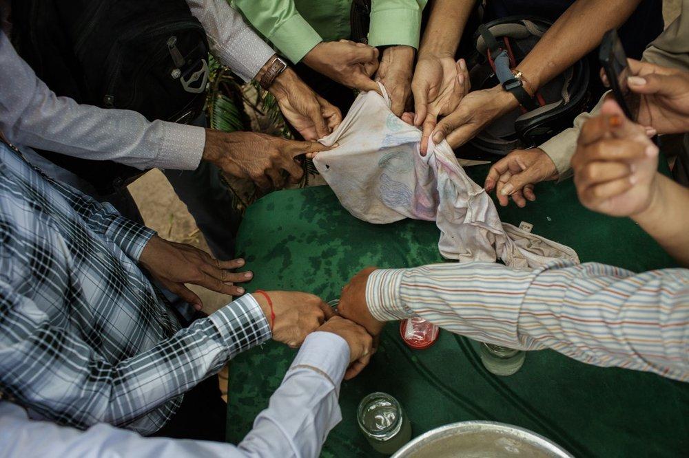 Sam Rainy invite Cambodians to register electoral irregularities