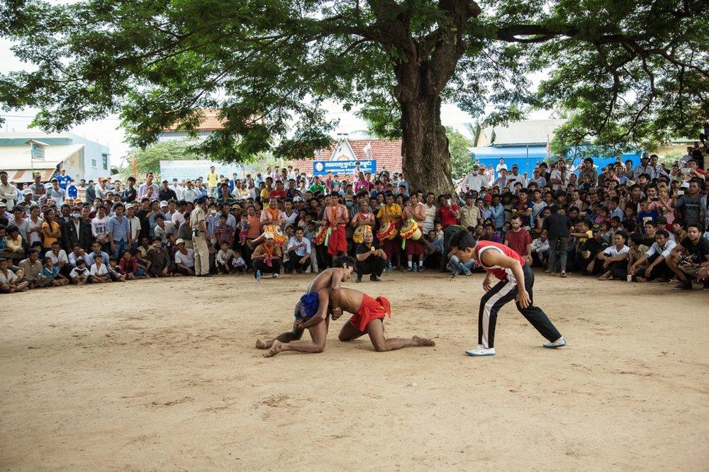 Pchum Ben festival's buffalo race