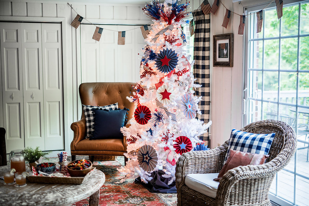 Flocked Patriotic Tree, Photography by Rachel Cuthberty Photography