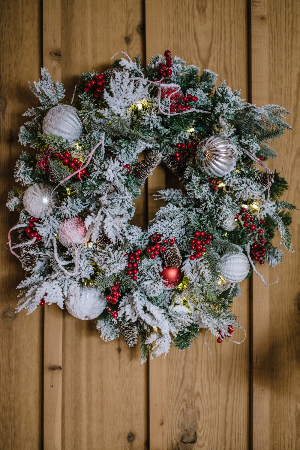 Christmas Morning Frost wreath  from Tree Classics