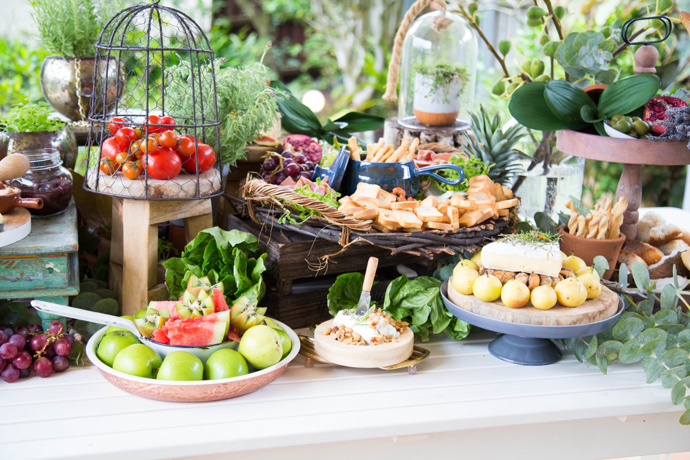 A social and trending way of feeding your guests without the formality of a seated event.