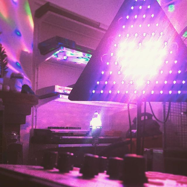 @hidden_massages designing lights #cagedheart #led #heartbroken @cmbsynth