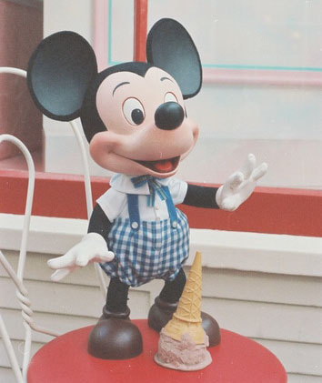 mickey-mouses-ice-cream-3_cropped.jpg