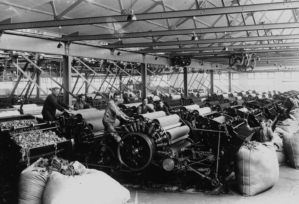 - THE FEDERAL WOOLLEN MILLS WAS OPENED BY THE PRIME MINISTER AND GOVERNOR-GENERAL ON THE 21ST OF DECEMBER 1915.