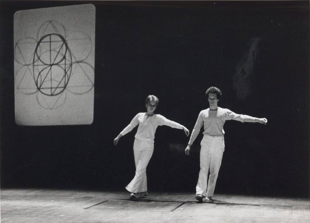 Simone Forti,  Zero , Performance documentation, Parco Theater, Tokyo, Japan, 1975