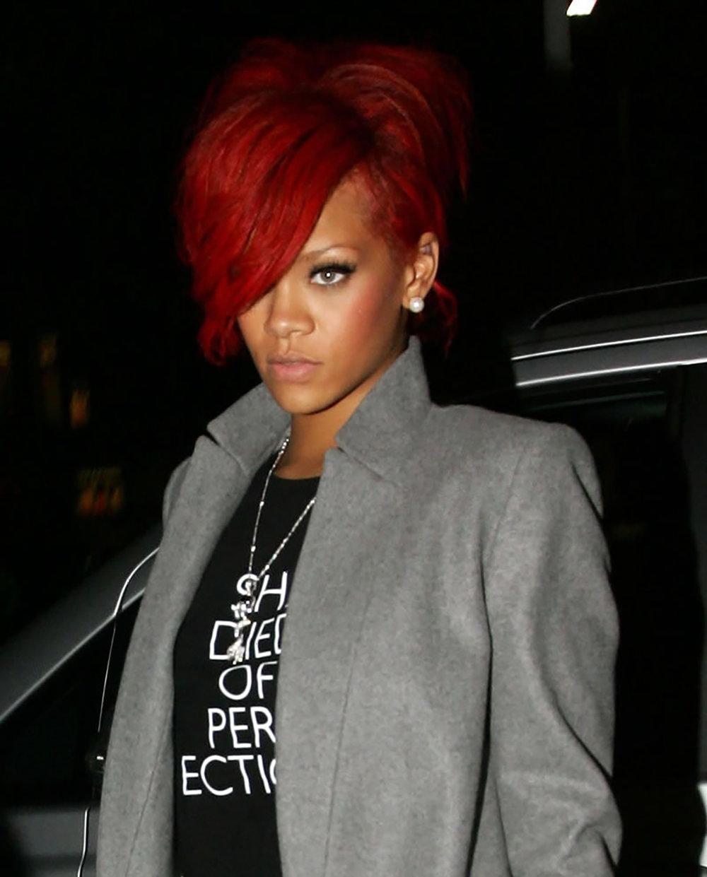 SDOB-fashion-erin-oconner-tshirt-Rihanna-graphics-james-lee-duffy.jpg