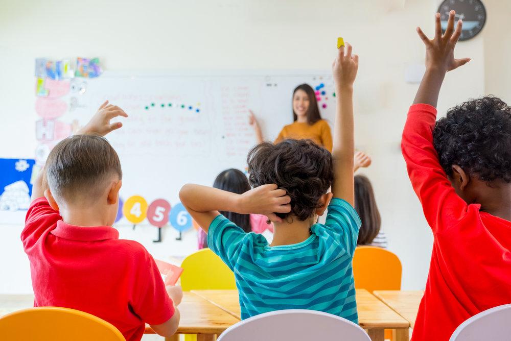 Nuestro Programa - La misión de Riverbend Prep es desarrollar el aprendizaje de cada niño para que tenga éxito en la vida y para que estén preparados para contribuir de manera útil a la sociedad. A través de nuestro plan de estudios innovadores, educación del carácter, fuerte comunidad y participación de los padres, estableceremos la fundación de éxito en nuestra cultura global.