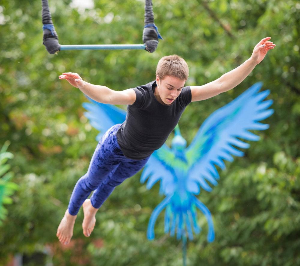 Helena-Humm,-Cirque-Bijou-Circus-Playground---photo-Andre-Pattenden.jpg