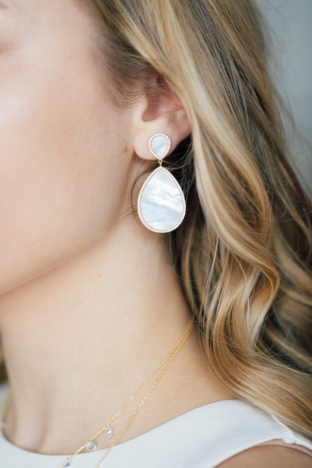 Dunay Joaillier's gorgeous Mother-of-Pearl earrings are perfect for any special occasion...