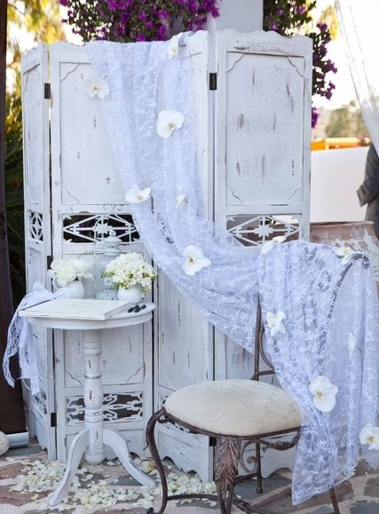 White Pedestal TablesQty: 210.00 each Great for entrance of Ceremony! -