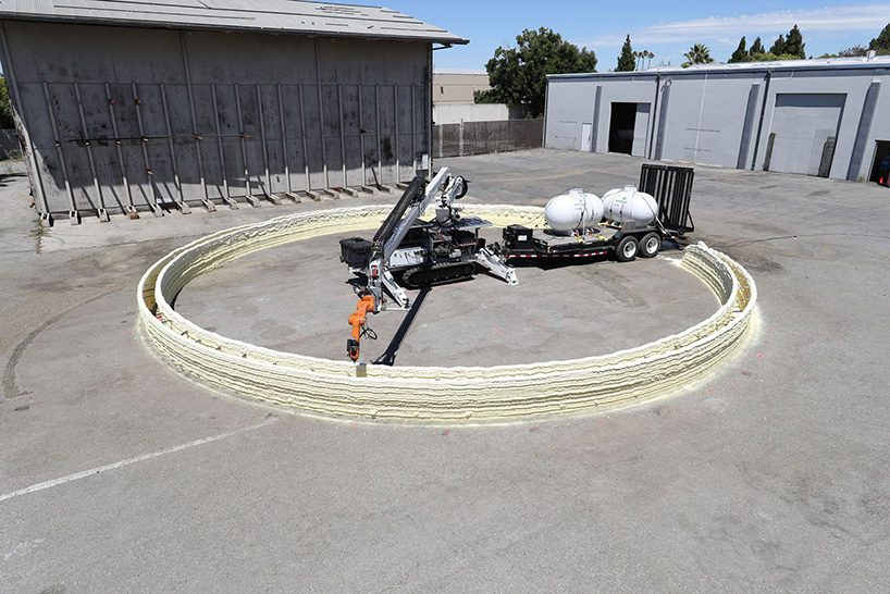 MIT develop rolling robot that can 3D print buildings