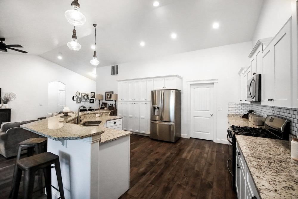 Kitchen 3-Edit.JPG